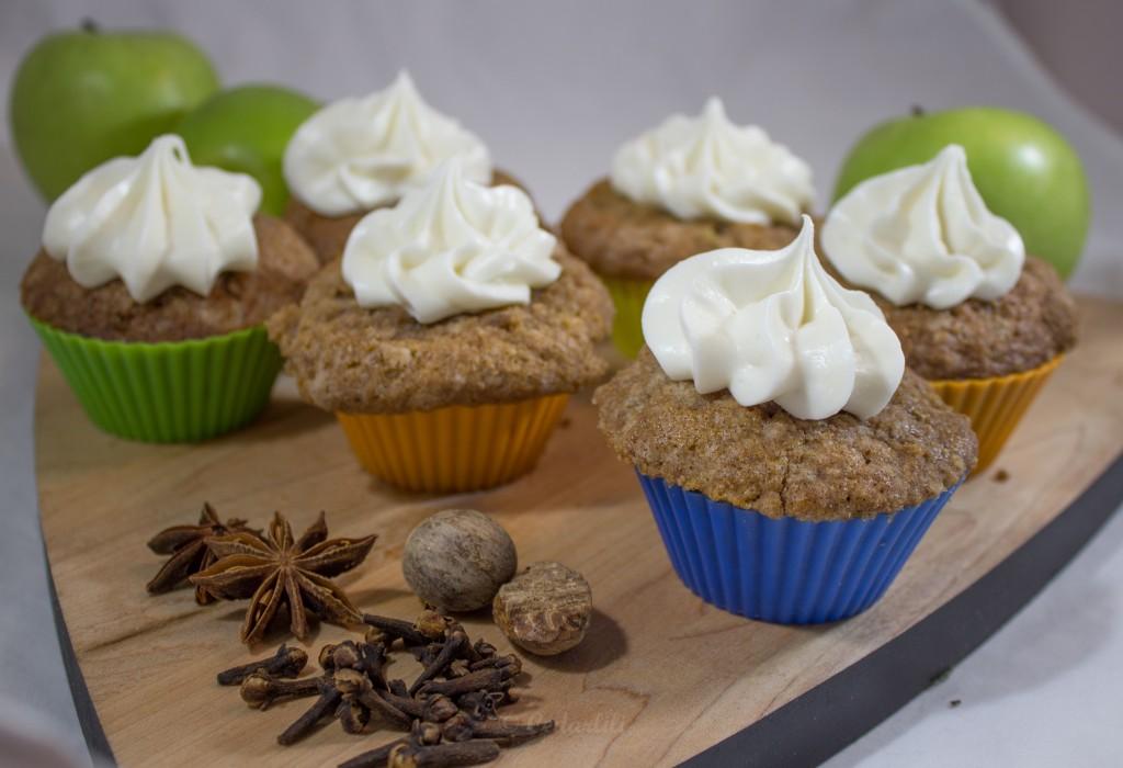 Apple Struesel Cupcakes