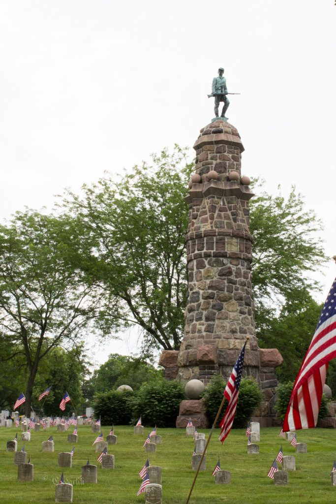 A monument to the fallen (Middletown Cemetery)